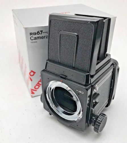 MAMIYA RB67 PRO SD CAMERA BODY AND WAISTE LEVEL FINDER ONLY